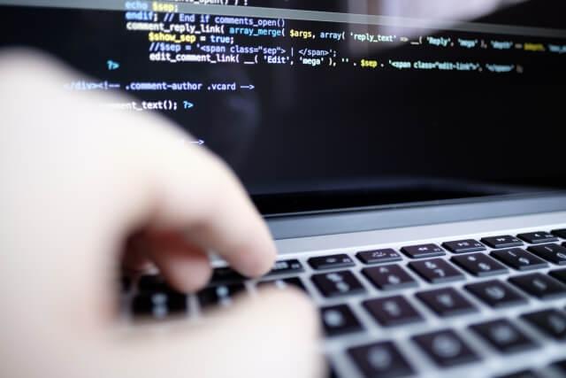 初心者がプログラミングスクールを選ぶ際のポイント4つ